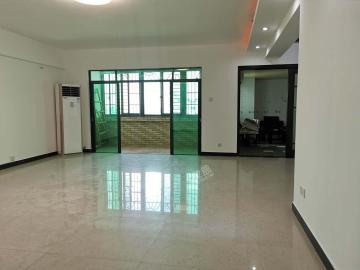 新达商务大厦  5室2厅1卫    318.0万
