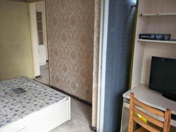培风小区200号  1室1厅1卫    1350.0元/月