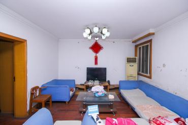 居家裝修兩房,公園環境,南北通透,適合拆遷客戶隨時看房