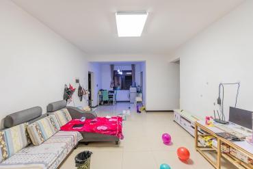 品質小區,居家自住三景華御  2室2廳1衛    81.0萬
