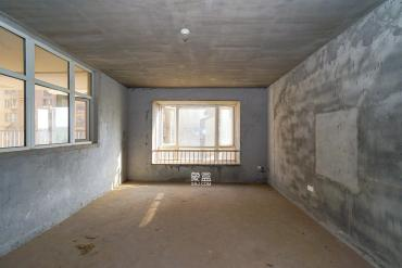 嘉华城(一期)  4室2厅1卫    170.0万