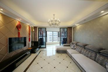 红橡华园(菲莎公馆)  3室2厅2卫    208.0万