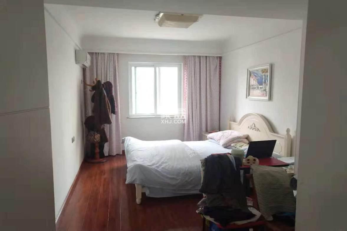 柳都水语  4室2厅2卫    120.0万