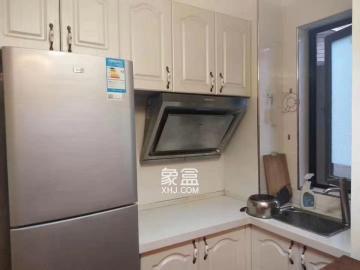 西湖公园阿普阿布一室一厅 租金2000 正地铁口高信向日葵