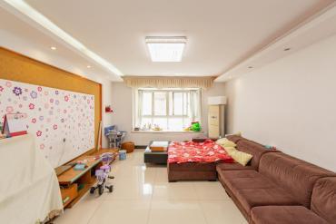 嘉盛华庭(一期、二期、三期)  3室2厅2卫    150.0万