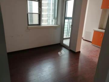 东湖春树里  4室2厅1卫    7000.0元/月