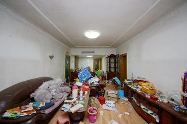 湖南省粮油食品进出口公司宿舍  3室2厅2卫    126.0万
