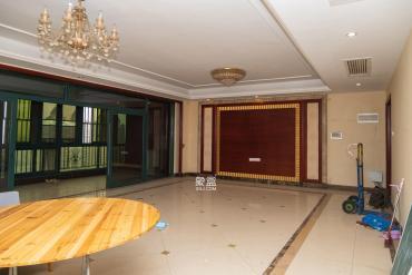 恒大雅苑  5室2厅1卫    340.0万