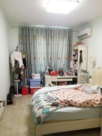 天龙阁  4室2厅1卫    200.0万
