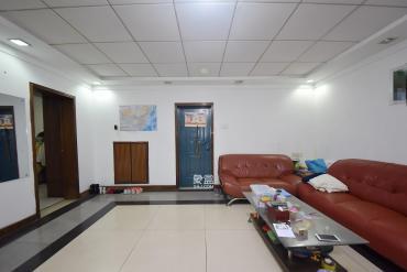 红旗综合安置楼  2室2厅1卫    76.0万