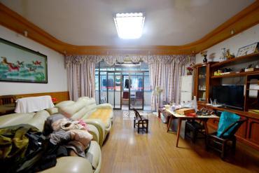 省地稅局  4室2廳1衛    185.0萬