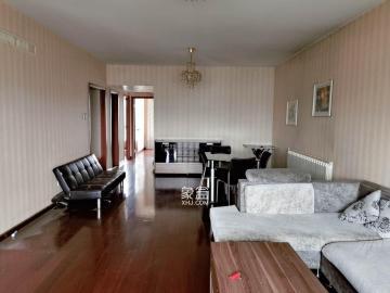远大麓园  3室两厅  3100元每月