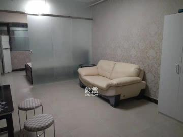 湘域中央  1室1厅1卫    2200.0元/月