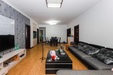 保利麓谷林语四室两厅两卫,居家装修。