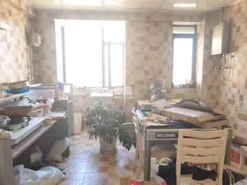 兰乔圣菲  5室2厅2卫    680.0万