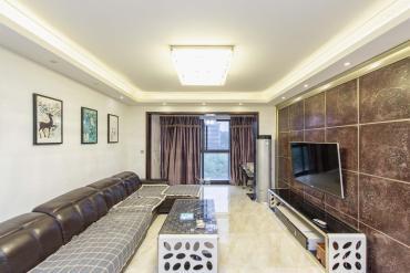 融科东南海  4室2厅2卫    180.0万