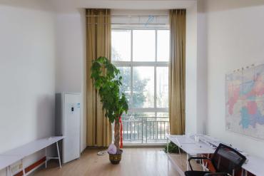 金榮譽峰翡翠花園  1室1廳1衛    52.8萬