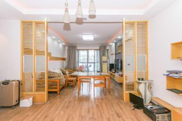 正地鐵口,居家裝修大三房,帶車位,業主很好說話,隨時看房