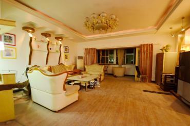 金蕾苑  5室2廳2衛    170.0萬