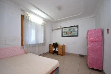 长沙市公用设施宿舍  3室2厅2卫    2000.0元/月