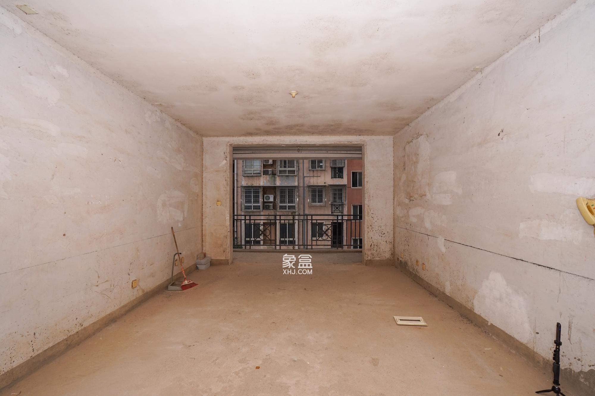 万鑫嘉园(万鑫阳光嘉园)  3室2厅1卫    90.0万