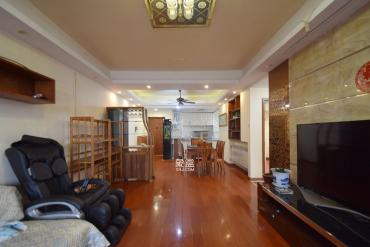 君悅紫園  2室2廳1衛    135.0萬