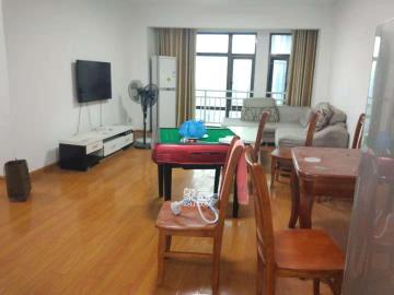 铂宫  3室2厅2卫    4500.0元/月