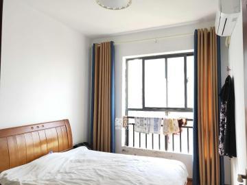 精裝4房2廳,環境舒適,拎包入住