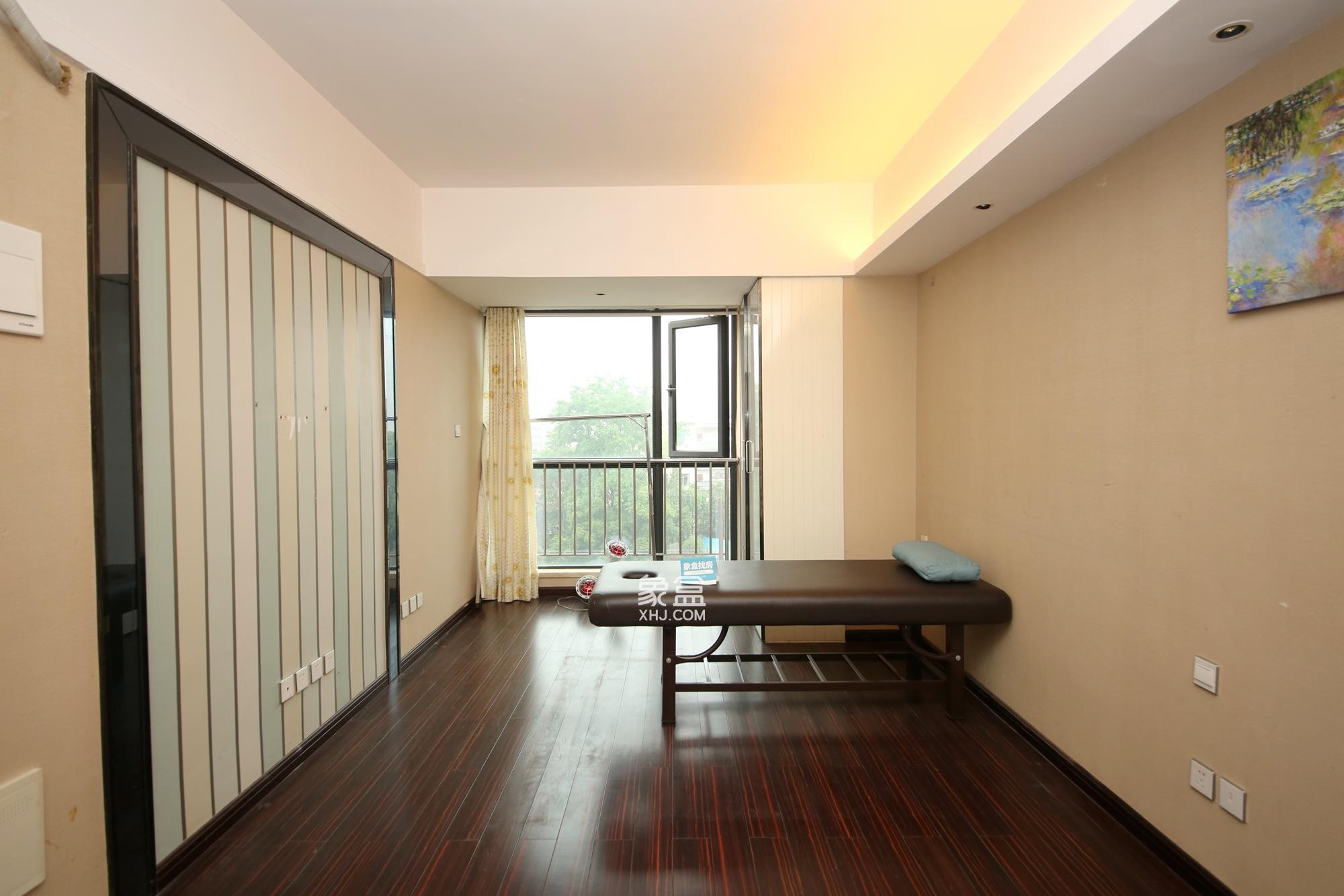 德思勤(宝格丽公寓)  1室1厅1卫    53.0万