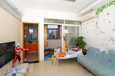 錢隆學府一、二期  2室1廳1衛    57.0萬