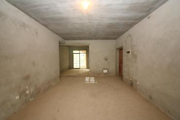 宏聚地中海  4室2廳2衛    136.0萬