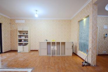 巴黎香榭  3室2厅1卫    185.0万