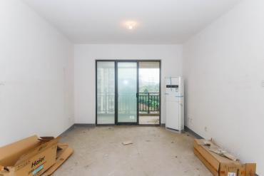 莱茵城  3室2厅2卫    96.0万