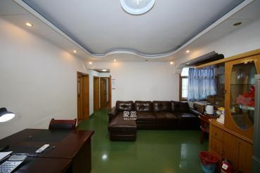 袁家嶺地鐵口 單位電梯三房 分攤面積小 中間樓層 有門衛院子
