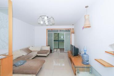 买房送储物间一个南北4房中等装修采光好位置安静看房方便随时看