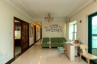 恒大绿洲  3室2厅2卫    155.0万
