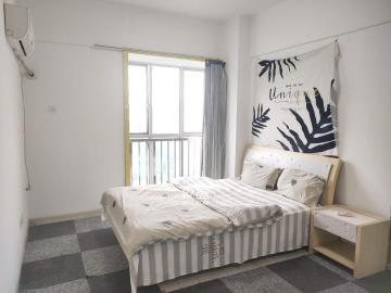 繁华地段 他城时代公寓精装一室一厅居住舒适 交通便利拎包入住