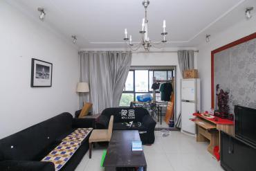 上海城小區  4室2廳1衛    135.0萬