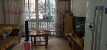 東城名苑,居家裝修三房,誠心出租,隨時看房.