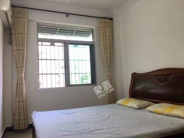 三峰里粮食所宿舍  3室2厅2卫    2300.0元/月