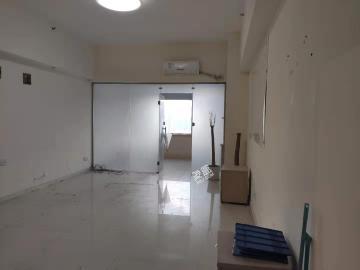 东湖春树里  1室0厅0卫    3200.0元/月