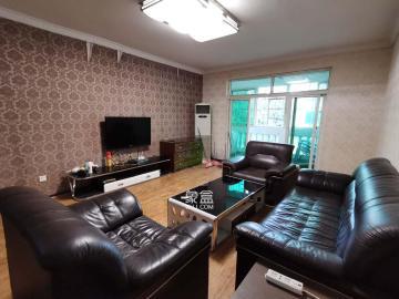 江南公寓  3室2廳1衛    2500.0元/月