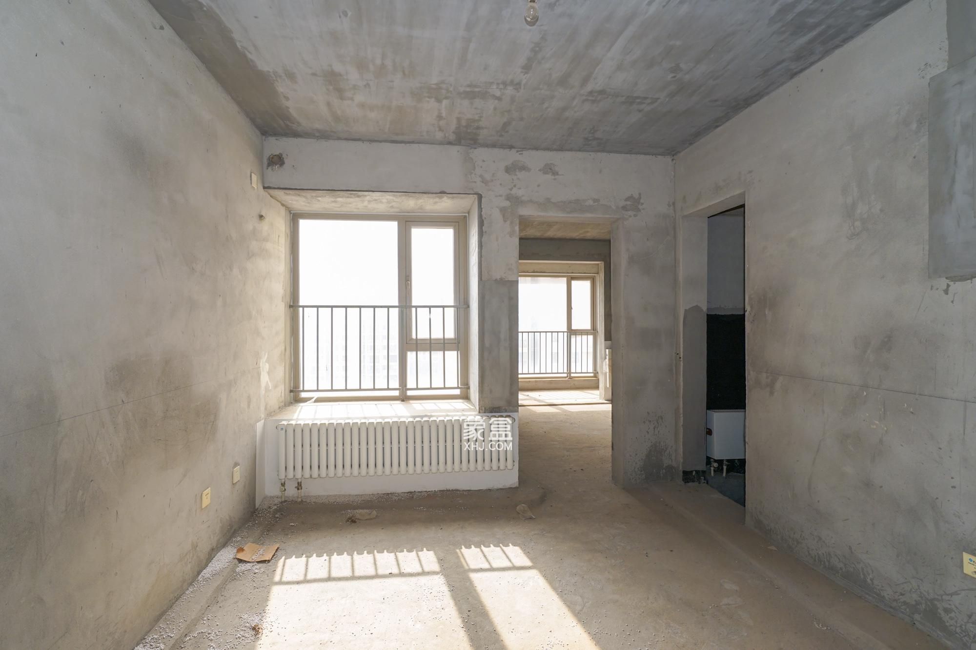 怡海星城115平三房,纯毛坯中间楼层,户型格局周正,随时看房