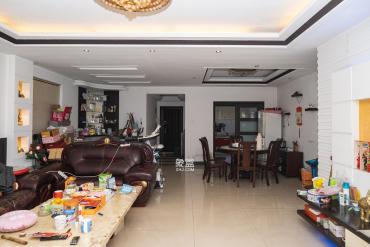 明城公寓  5室2厅2卫    130.0万