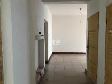 育财农贸市场(民营市场)  3室2厅2卫    45.8万