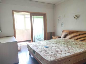 咸嘉新村  3室2厅2卫    2100.0元/月
