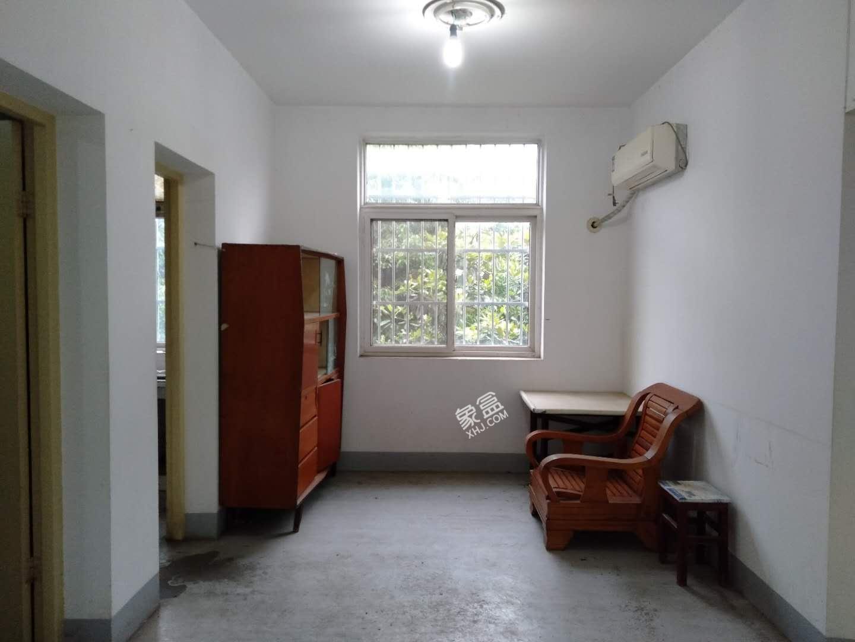 南湖社区  2室2厅1卫    70.0万