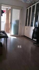湘卫花苑  3室2厅1卫    2600.0元/月