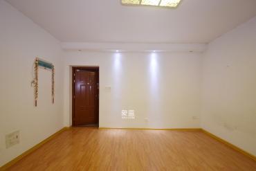 君悦紫园  1室1厅1卫    65.8万