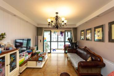 融科东南海  3室2厅1卫    150.0万